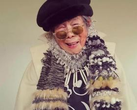 94岁老奶奶被孙女改造成模特!美甲、时装这才是最幸福的晚年!
